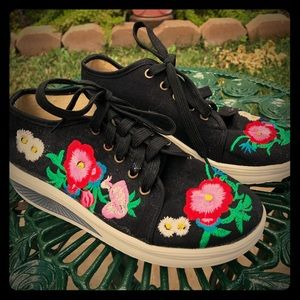 Vintage 80s Chinese floral sneakers shoes Size 7